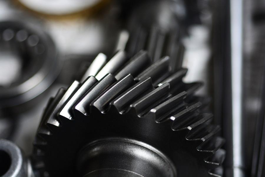 Ferde fogazatú fogaskerekek gyártása: Miért bízza profikra ezt a feladatot?